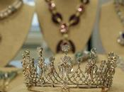Exposition Paris bijoux d'Elizabeth Taylor ventes enchères