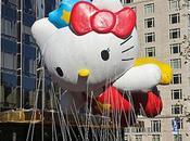 Hello kitty survole nouveau Manhattan