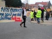 FOUILLOY Trois écoles mobilisées contre fermetures classes