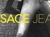 Gisele Bundchen topless pour Versace Jeans!