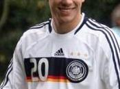 Arsenal Podolski veut attendre saison