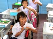 Enfants Thais l'école: l'art prendre belle photo. Merci pour cliché