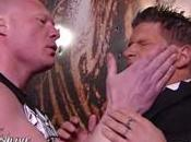 Brock Lesnar expédie Josh Mathews l'hôpital