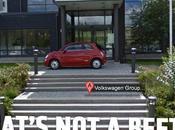 Insolite Fiat s'amuse avec Google Street View