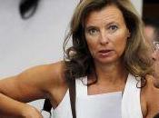 """Valérie Trierweiler lance appel """"consœurs confrères"""" journalistes"""