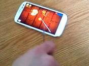 Samsung Galaxy jouez Fruit Ninja avec couteau. pas.