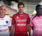 Clermont-Foot blanc, rouge rose pour saison 2012-2013