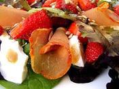 Salade Fraises, Mozzarella Buffala, Lomo Mesclun