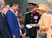 reine Elisabeth inaugure Tyne tunnel