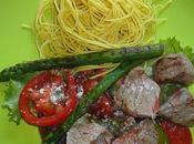 Salade boeuf tomate asperges nouilles parmesan
