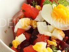 Salade betteraves, oeuf multiples couleurs