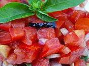 Tartare tomates, olives noires basilic