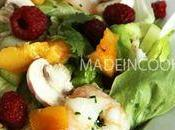 Salade crevettes, framboises nectarine