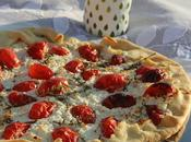 Tarte salée chèvre frais tomates thym pâte brisée l'huile d'olive pour regarder coucher soleil plage