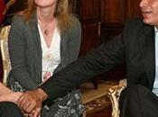 Correa protège Assange pendant qu'il persécute propre presse