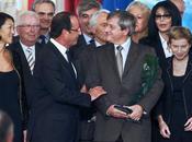 Hugues Souparis, d'Hologram Industries, reçoit Prix l'Audace Créatrice mains François Hollande