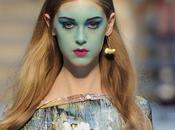 Maquillage: Vivienne Westwood défilé colorée Printemps/été 2013.