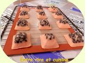 "Pyramides yaourt ""arôme fraise"" pépites chocolat"