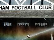 Fulham Berbatov tacle Manchester United