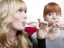 Binge drinking: Plus expéditif chez jeunes filles