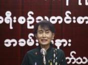 Après plus d'interdiction semi-clandestinité, Parti d'Aung tenir publiquement premier congrès officiel
