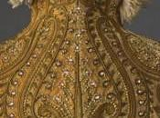 Fashioning Fashion. Deux siècles mode européenne