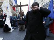 Sénateur rappelle homophobes Prières sont Interdites