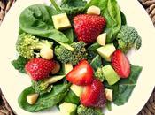 Encore fraises...!!! Cette fois, salade d'épinard, fraises noix macadamia