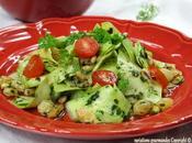 Salade courgettes Nice, coriandre, raisins secs pignons