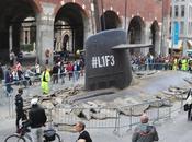 [Street Marketing] sous-marin fait surface coeur Milan