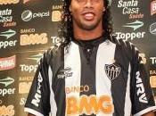 PSG-Ronaldinho rêve terminer carrière Paris