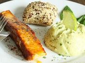 Pavés saumon paprika miel accompagné purée brocolis