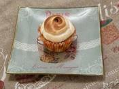 Cupcake rhubarbe-cannelle meringué Rhubarb cinnamon cupcake meringue
