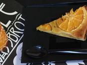 Assiettes noires jetables pour tarte
