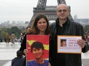 journaliste Jeanne Perrin s'envole tour pour Rangoun, mission France Aung