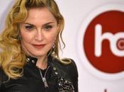 INSUBMERSIBLE. Musique (Forbes) L'artiste plus riche 2013, c'est Madonna