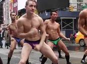 MODE flashmob sexy Times Square pour marque sous-vêtements