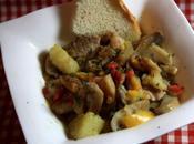 Plat complet sauté porc, pommes terre, champignons poivrons