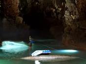 Wake dans grotte Jeita