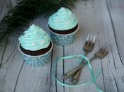 Cupcakes chocolat, cerises l'alcool glaçage mascarpone