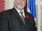 Philippe Couillard, Santé alternative médias