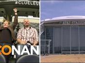 Conan O'Brien joue jeux vidéo écran géant