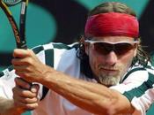 Peut-on porter lunettes court tennis?