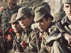 Révolution Œillets libère Portugal