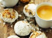 Pause café amaretti très amandes abricots pour dimanche après-midi tranquille