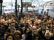 grévistes SNCF sont idiots utiles