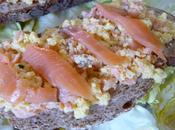 Tartines d'œufs brouillés saumon fumé
