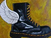 bottine noire ailes