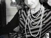 "août, mode démode, style jamais"" Coco Chanel."