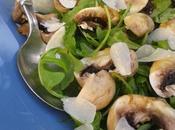 Salade roquette champignons Paris, copeaux parmesan